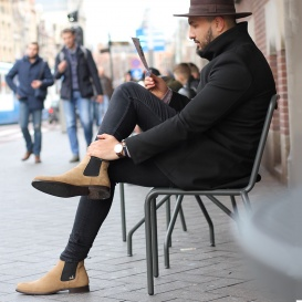 Serfan Chelsea Boot Men Suede Beige Black
