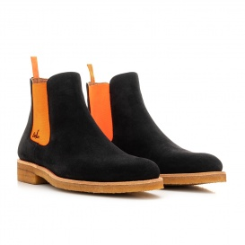 Serfan Chelsea Boot Herren Wildleder Schwarz Orange Crepe Sole