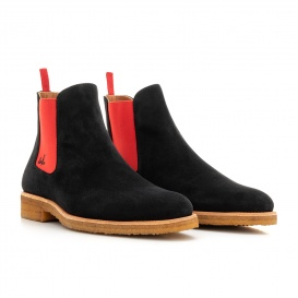 Serfan Chelsea Boot Men Suede Black Red Crepe Sole