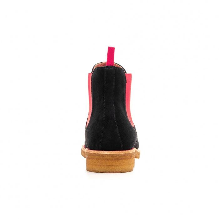 d113bf931eeeb7 Serfan Chelsea Boot Damen Wildleder Schwarz Pink Crepe Sole
