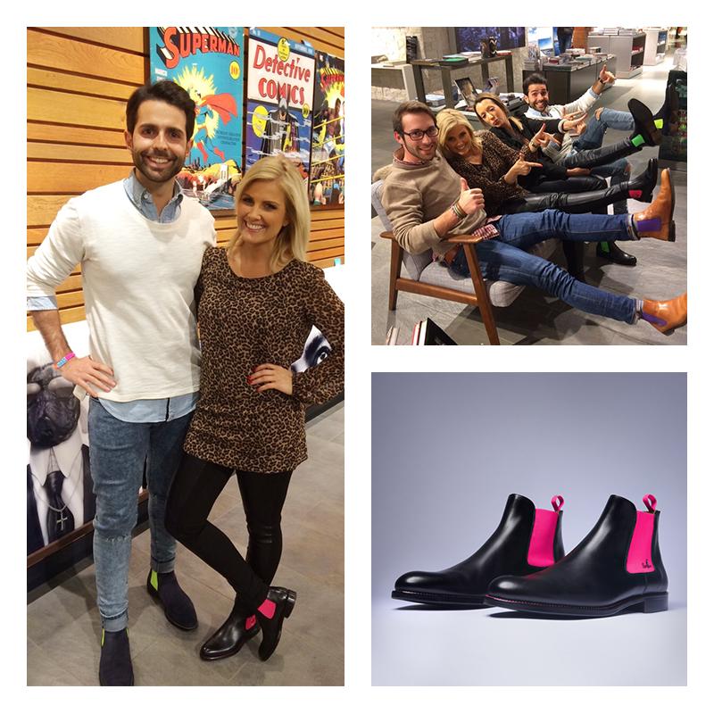 Moderatorin Jennifer Knäble ist von den Modellen Serfans und deren Designer Serhat Yilmaz begeistert.