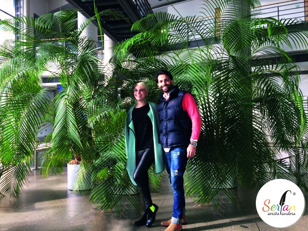 Moderatorin Susanne Klehn trägt Chelsea Boots von Serfan
