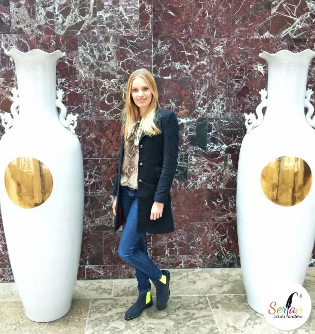 Topmodel Jana Beller zeigt sich in Serfan