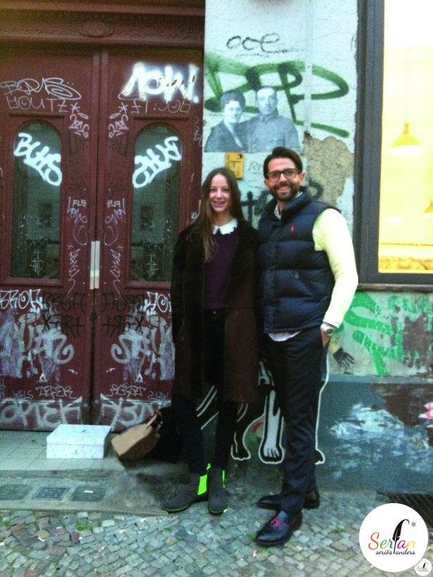 Sandra von Ruffin trägt Chelsea Boots