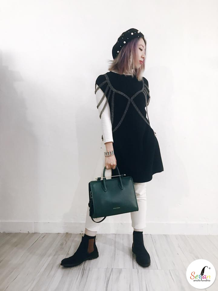 Bloggerin Visala trägt Chelsea Boots von Serfan.